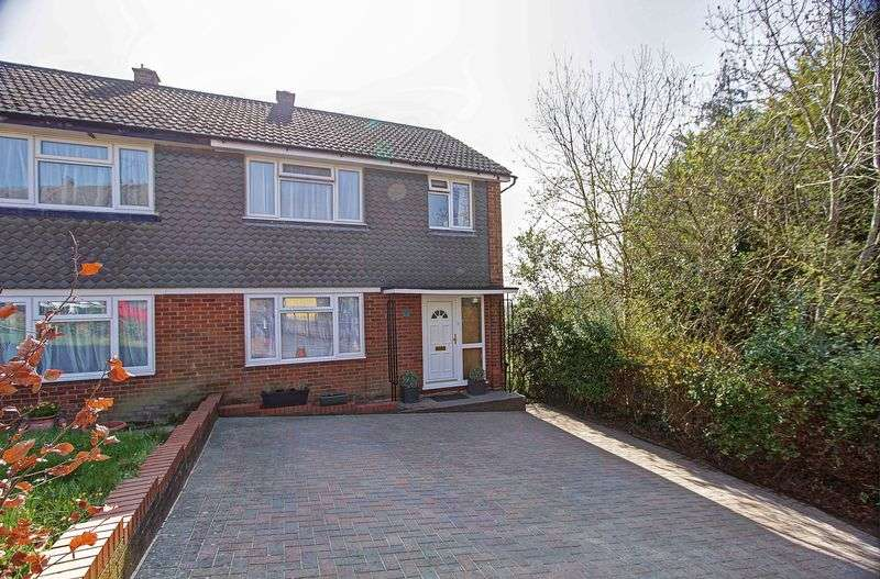 3 Bedrooms Semi Detached House for sale in Baring Road, High Wycombe, HP13