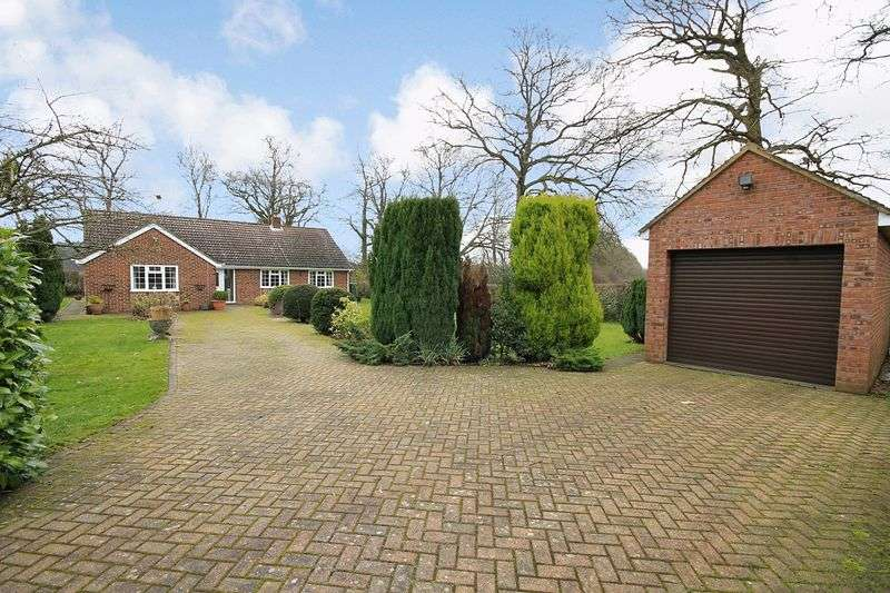 3 Bedrooms Detached Bungalow for sale in Dragons Lane, Dragons Green, Shipley