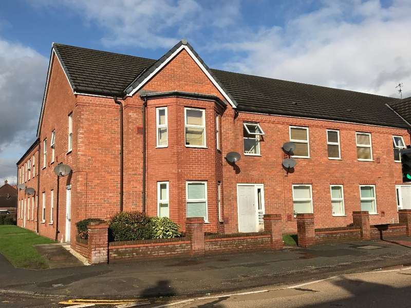 2 Bedrooms Flat for sale in Liverpool Road, Cadishead, Salford, M44 5DD