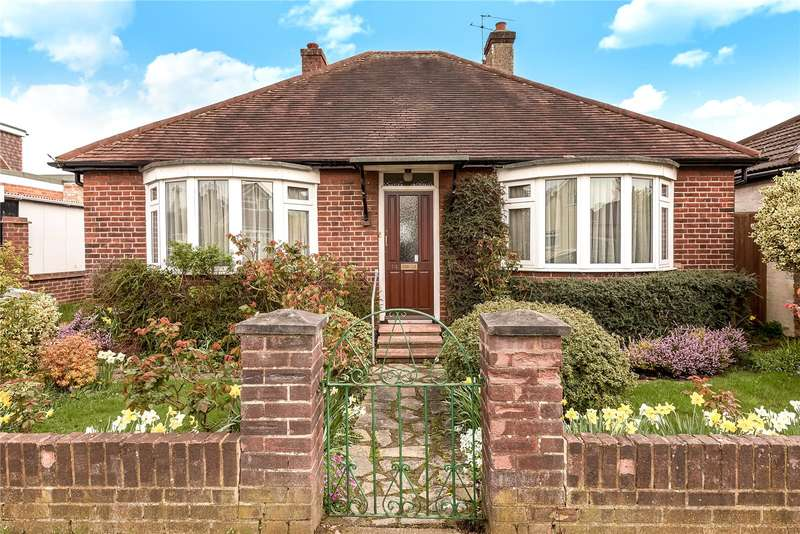 2 Bedrooms Bungalow for sale in Lime Grove, Ruislip, Middlesex, HA4