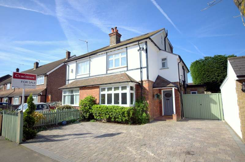 4 Bedrooms Semi Detached House for sale in The Groves