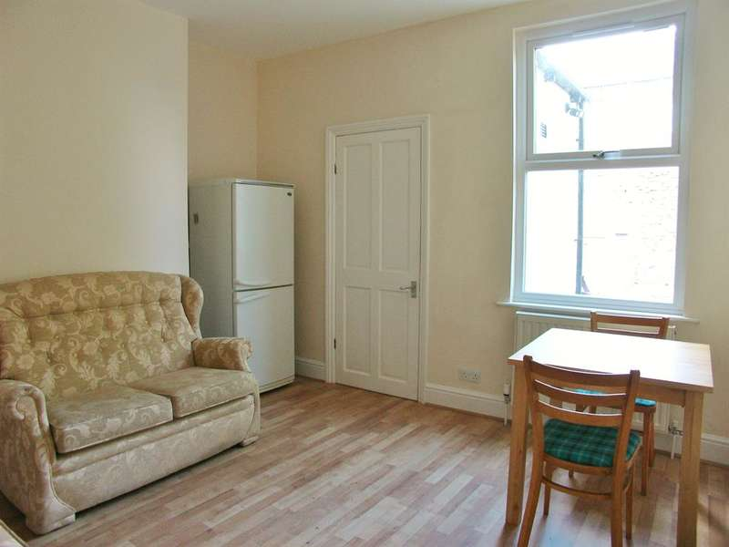 4 Bedrooms Terraced House for rent in Hoole Street, Sheffield, S6 2WR
