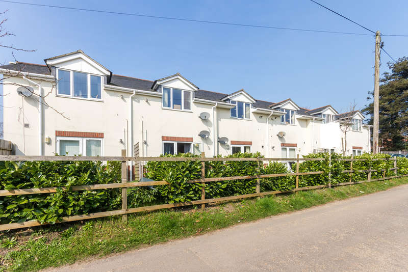1 Bedroom Flat for sale in Ringwood, Hampshire
