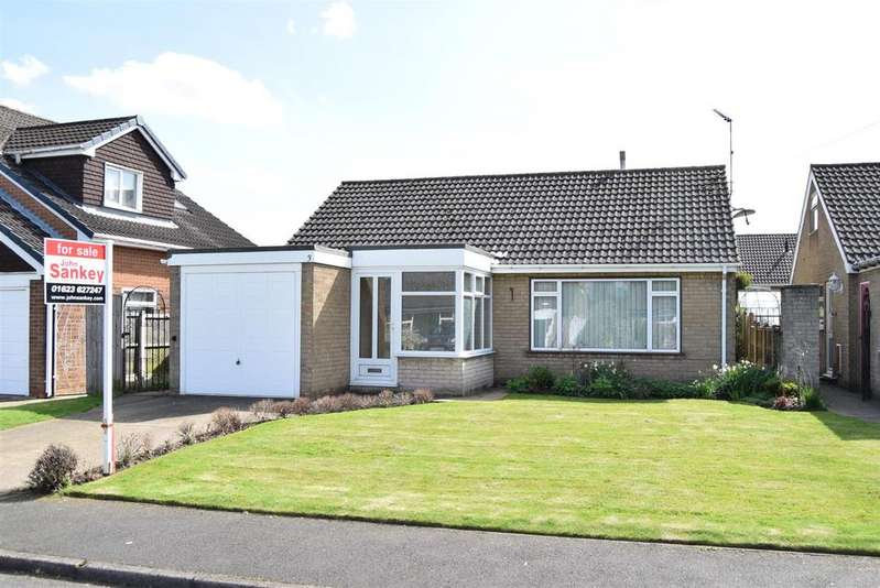 2 Bedrooms Detached Bungalow for sale in Old Hall Close, Warsop