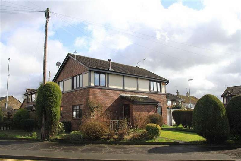 2 Bedrooms Town House for sale in 56, Norden Road, Bamford, Rochdale, OL11