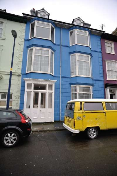 9 Bedrooms Terraced House for sale in Great Darkgate Street, Aberystywth, Ceredigion, SY23