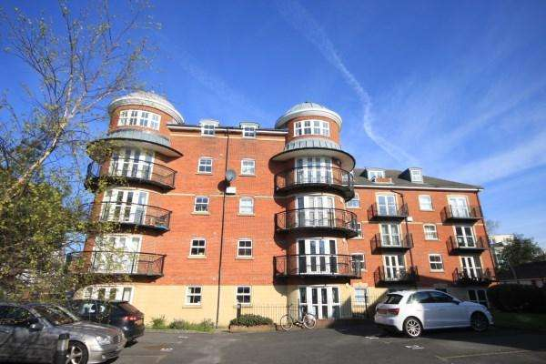 2 Bedrooms Apartment Flat for sale in Boscombe Spa Road, Bournemouth