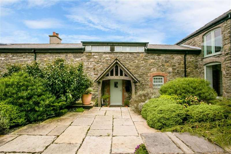 2 Bedrooms Barn Conversion Character Property for sale in Abbeylands Estate, Douglas