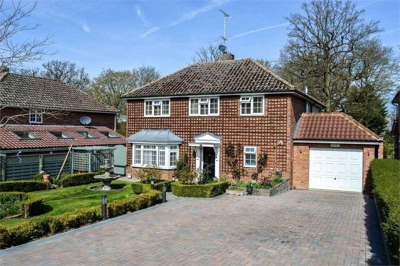 4 Bedrooms Detached House for sale in Oaklands Park, BISHOP'S STORTFORD, Hertfordshire