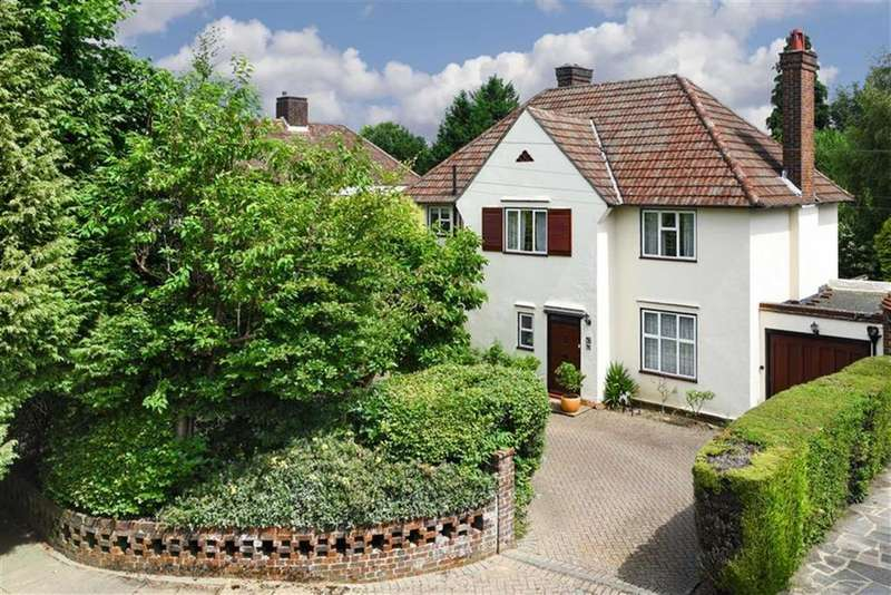 4 Bedrooms Detached House for sale in Colcokes Road, Banstead, Surrey