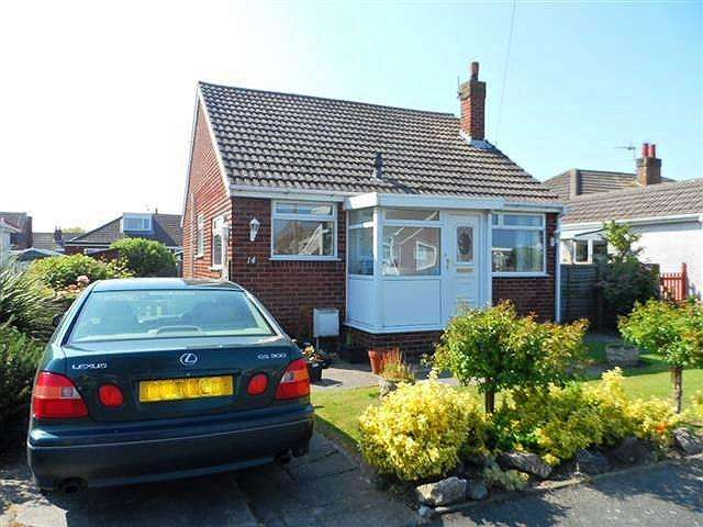 2 Bedrooms Detached House for sale in Eskdale Grove, KNOTT END ON SEA, FY6 0DH
