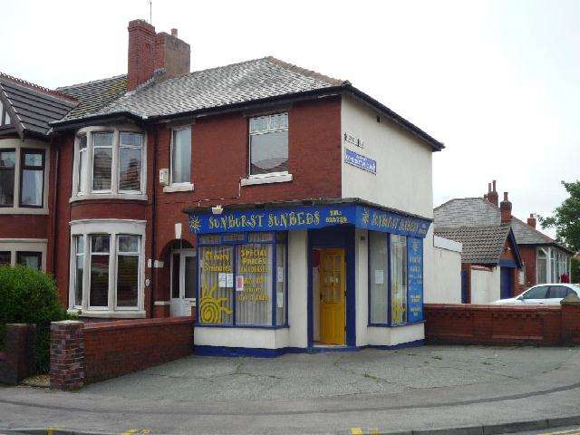 3 Bedrooms Retail Property (high Street) Commercial for sale in Warley Road, Blackpool, FY1 2RW