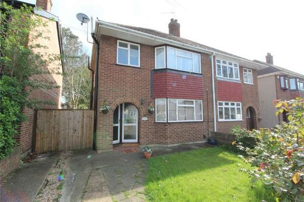 2 Bedrooms Maisonette Flat for sale in Kenilworth Road, Ashford, Surrey