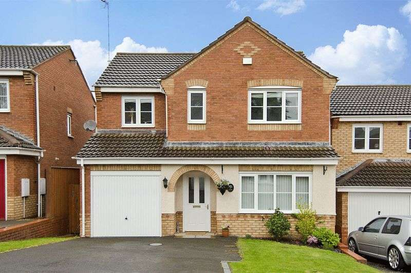 4 Bedrooms Detached House for sale in Wells Close, Rugeley