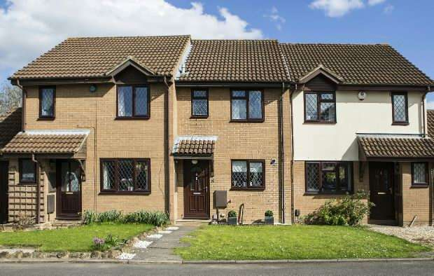 2 Bedrooms Terraced House for sale in Ashmere Close, Calcot, Reading,