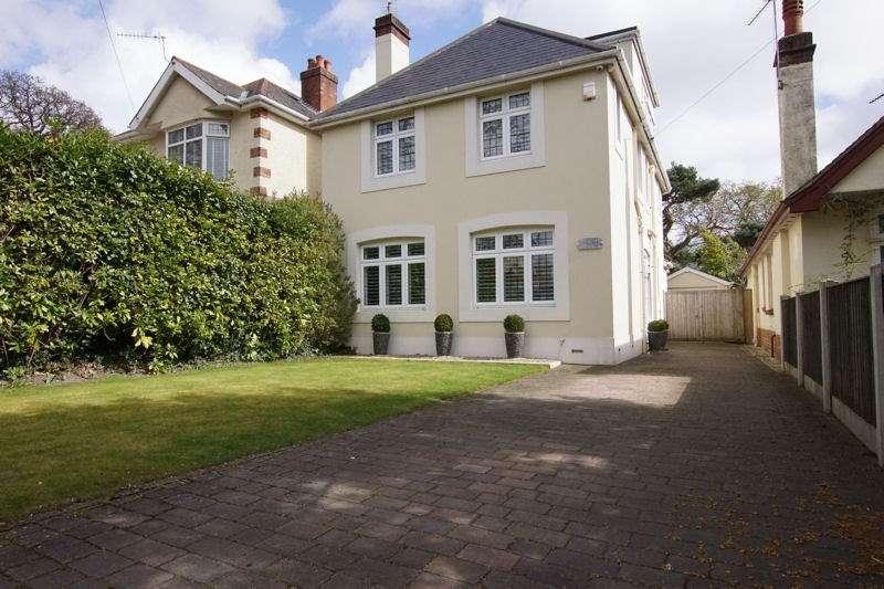 4 Bedrooms Detached House for sale in Blake Dene Road, Lilliput, Poole