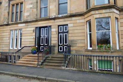 3 Bedrooms Flat for sale in Parkgrove Terrace, Kelvingrove