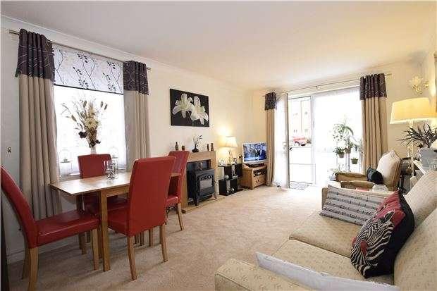 1 Bedroom Flat for sale in De La Warr Parade, BEXHILL-ON-SEA, East Sussex, TN40 1PL