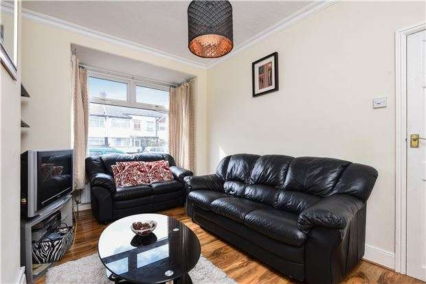 2 Bedrooms Terraced House for sale in Tankerton Terrace, Mitcham Rd, Croydon, CR0