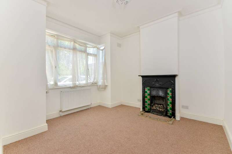 3 Bedrooms Terraced House for sale in Blackshaw Road, Tooting, SW17