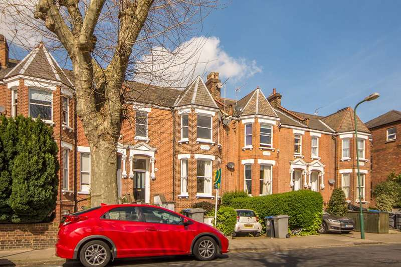 2 Bedrooms Flat for sale in Chevening Road, Queen's Park, NW6