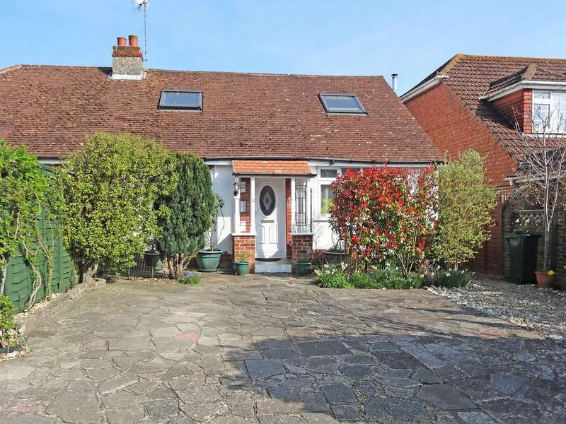 3 Bedrooms Semi Detached Bungalow for sale in Clay Lane, Fishbourne PO19