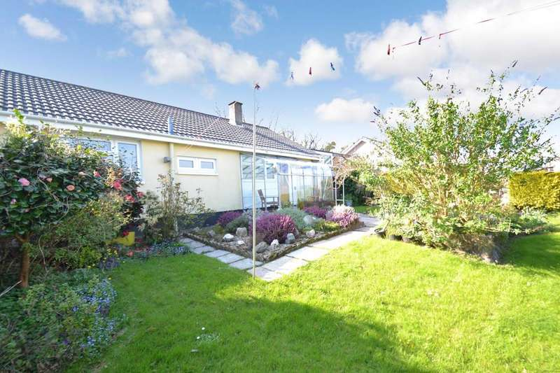 3 Bedrooms Bungalow for sale in Beacon Road, Bodmin