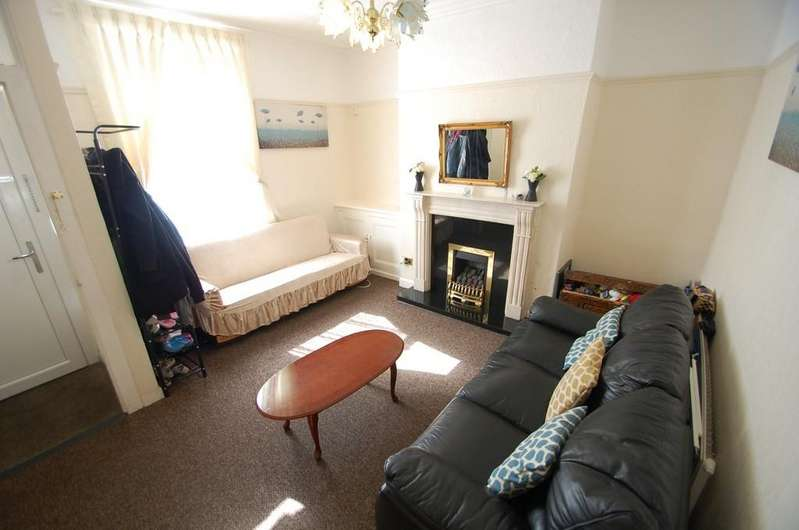 2 Bedrooms Terraced House for sale in Dyson Street, Old Infirmary, Blackburn