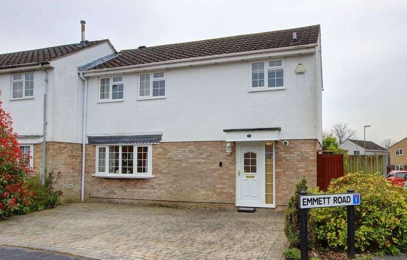 3 Bedrooms Semi Detached House for sale in Emmett Road, Rownhams, Hampshire