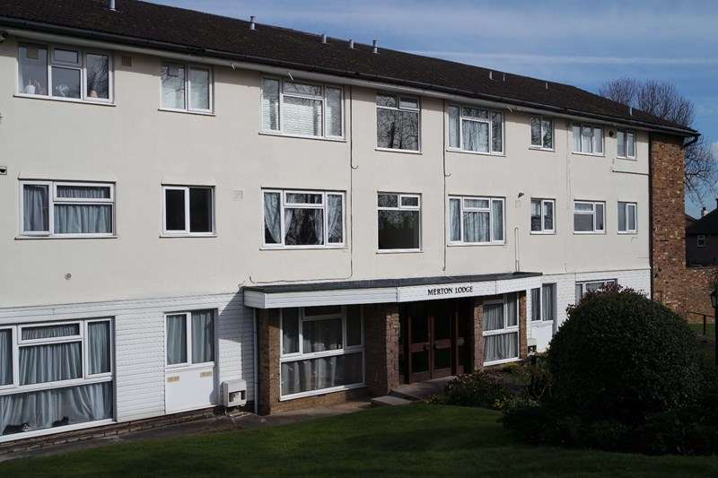 Flat for sale in Lyonsdown Road, New Barnet