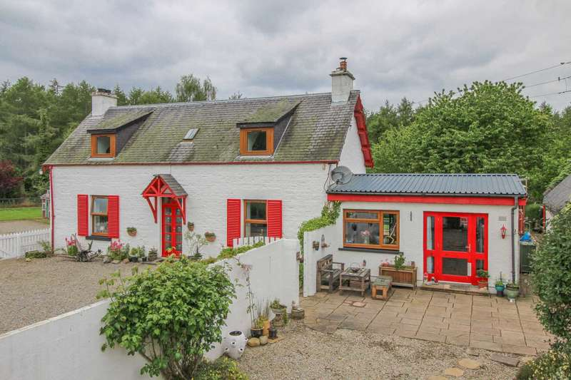 3 Bedrooms Detached House for sale in Woodend Cottage, Croy
