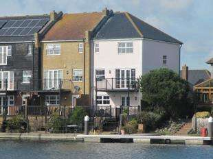 4 Bedrooms End Of Terrace House for sale in St. Lawrence Way, Eastbourne, East Sussex