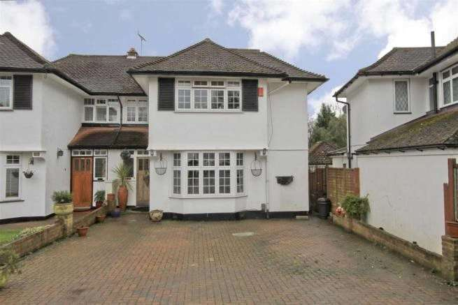4 Bedrooms Semi Detached House for sale in Hillcroft Crescent, Oxhey Hall, WD19