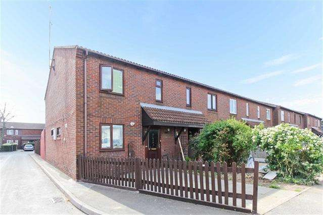 3 Bedrooms House for sale in Briscoe Close, Leyton