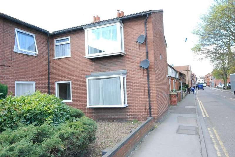 2 Bedrooms Flat for sale in Robins Court, Newark