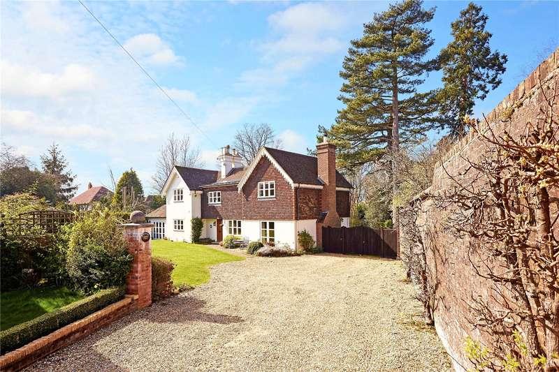 4 Bedrooms Detached House for sale in Camden Park, Tunbridge Wells, Kent, TN2