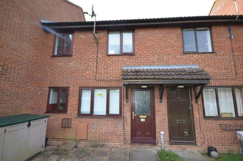 2 Bedrooms Terraced House for sale in Moore Close, Tongham