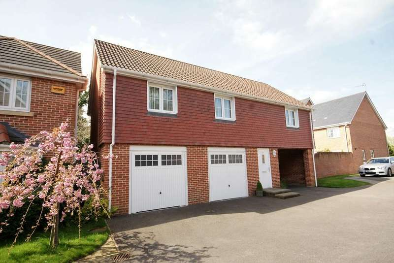 2 Bedrooms Maisonette Flat for sale in Lapwing Way, FOUR MARKS, Hampshire