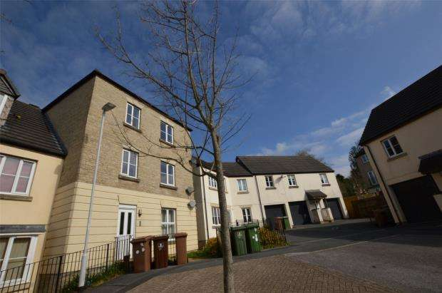 2 Bedrooms Flat for sale in Triumphal Crescent, Woodford, Plymouth, Devon