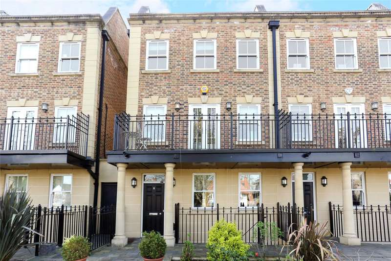 6 Bedrooms Terraced House for sale in Queensgate Terrace, Castlebar Park, Ealing, W5