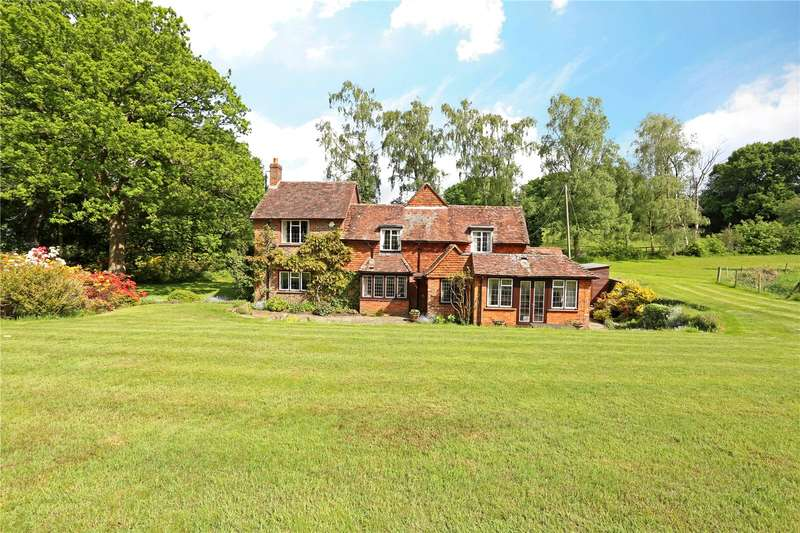3 Bedrooms Detached House for sale in Pitch Place, Thursley, Godalming, Surrey, GU8