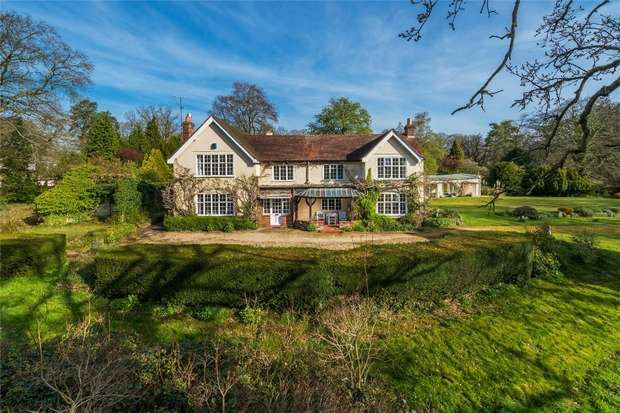 6 Bedrooms Detached House for sale in The Sands, Farnham, Surrey