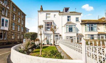 5 Bedrooms End Of Terrace House for sale in Penzance, Cornwall, .