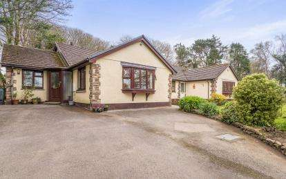 5 Bedrooms Bungalow for sale in Goldsithney, Penzance, Cornwall