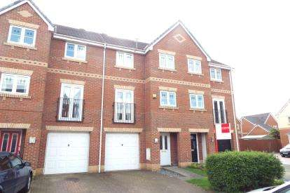 4 Bedrooms Town House for sale in Ludlow Close, Padgate, Warrington, Cheshire