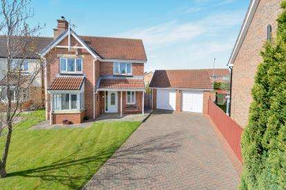 4 Bedrooms Detached House for sale in Selworthy Green, Ingleby Barwick, Stockton-on-Tees, Durham