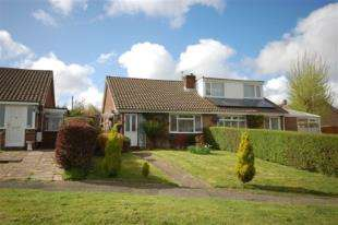 2 Bedrooms Bungalow for sale in Nevill Road, Uckfield, East Sussex