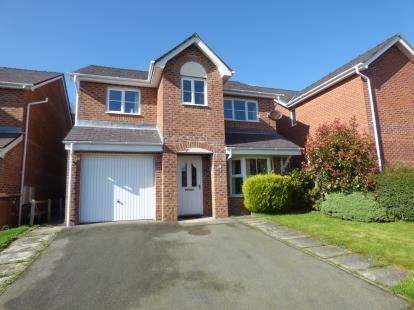 4 Bedrooms Detached House for sale in Maes Berea, Bangor, Gwynedd, LL57