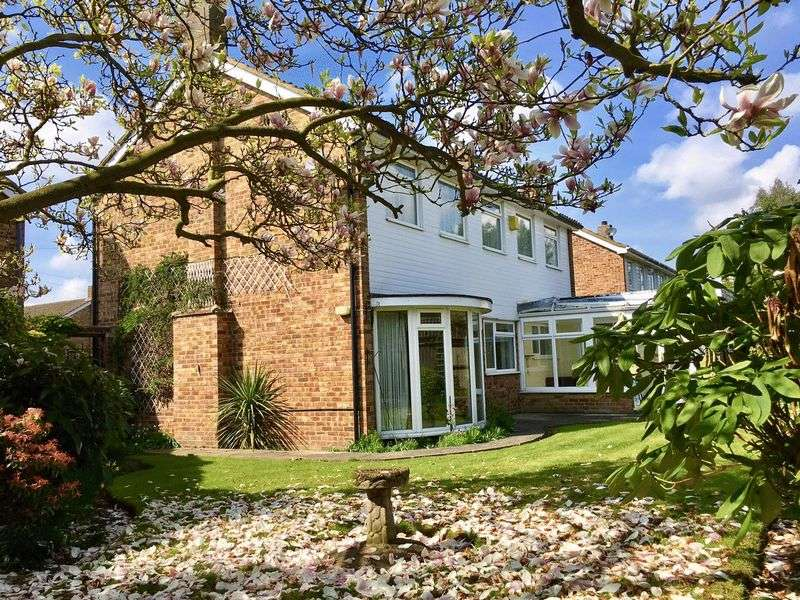 4 Bedrooms Detached House for sale in The Firs, Bexley