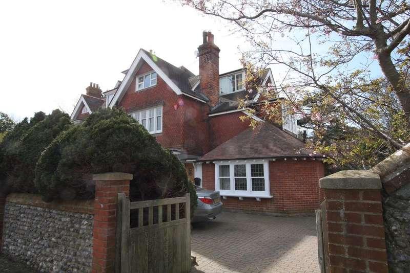 5 Bedrooms Semi Detached House for sale in 11 Saffrons Road, Eastbourne BN21